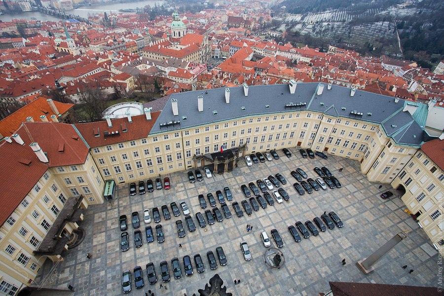 Прага Градчана президентский дворец кортеж Чехия