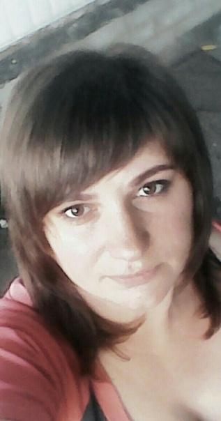 Пьяная женщина при маленьких детях зарезала двоих супругов, которые зашли к ней в гости. Случай произошел
