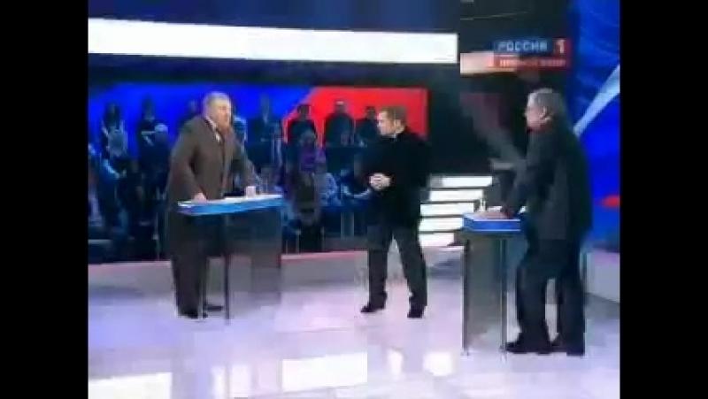Пропагандон Соловьев поддерживает Жириновского который заявил что Путин продал народ