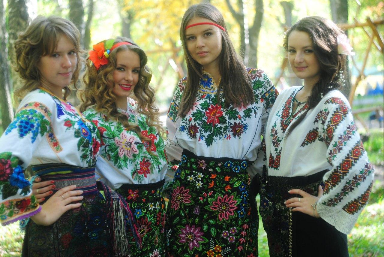 Украинка ласкает себя 2 фотография