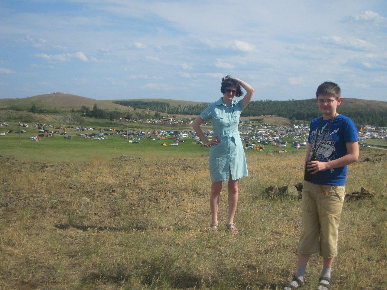 Осматриваемся с вершины холма (25.06.2013)