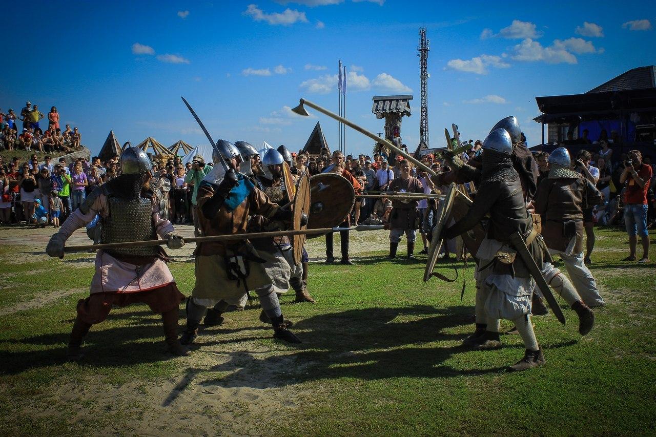13 июня 2015 года под Новосибирском военно-исторический фестиваль Сибирский Огонь