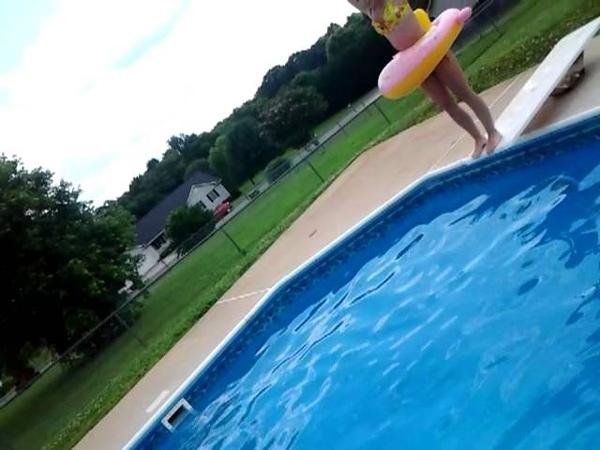 Tara stuck in a childrens float