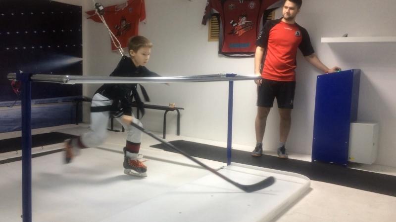 ЦХП Шайба Тренировка на беговой дорожке для хоккеистов