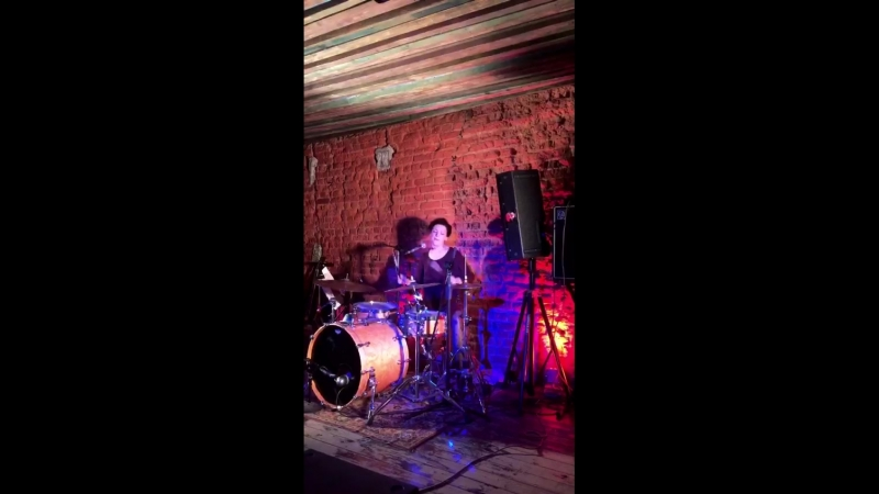 The White Stripes tribute band - Dead Leaves And The Dirty Ground