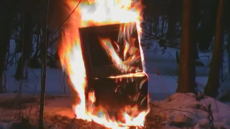 Сожжение телевизора на болоте сатаны