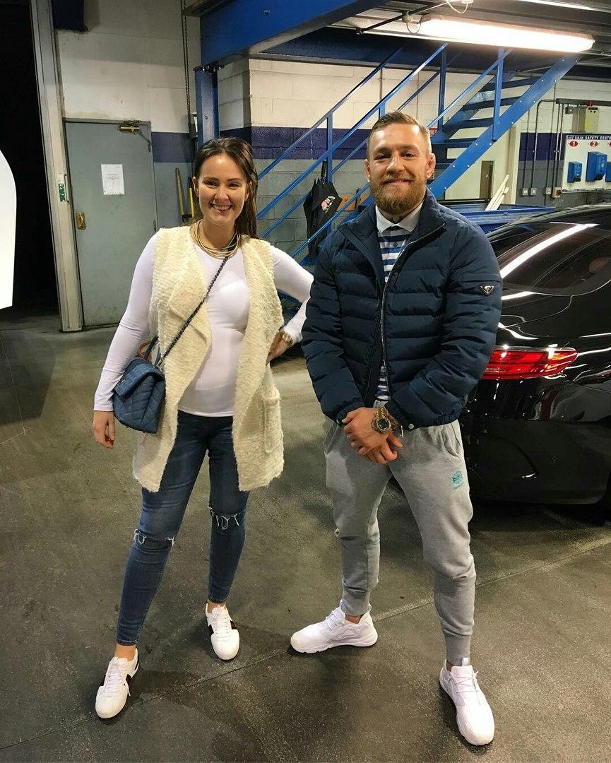 Конор Макгрегор со своей невестой Ди Девлин