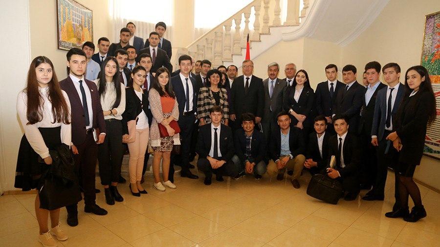 Преданность и любовь молодежи Таджикистана к родному краю Избранное