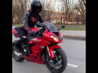 дал дал уш л мотоТаня девушка на красном мотоцикле (1080p).mp4