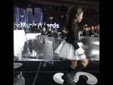 this is still so funny, everyone was calmly hyping up the little girl and then there was exo at the back being a fucking mess
