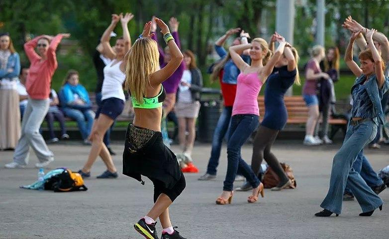 Уроки зумба-фитнеса стартуют в Савеловском парке 2 июня
