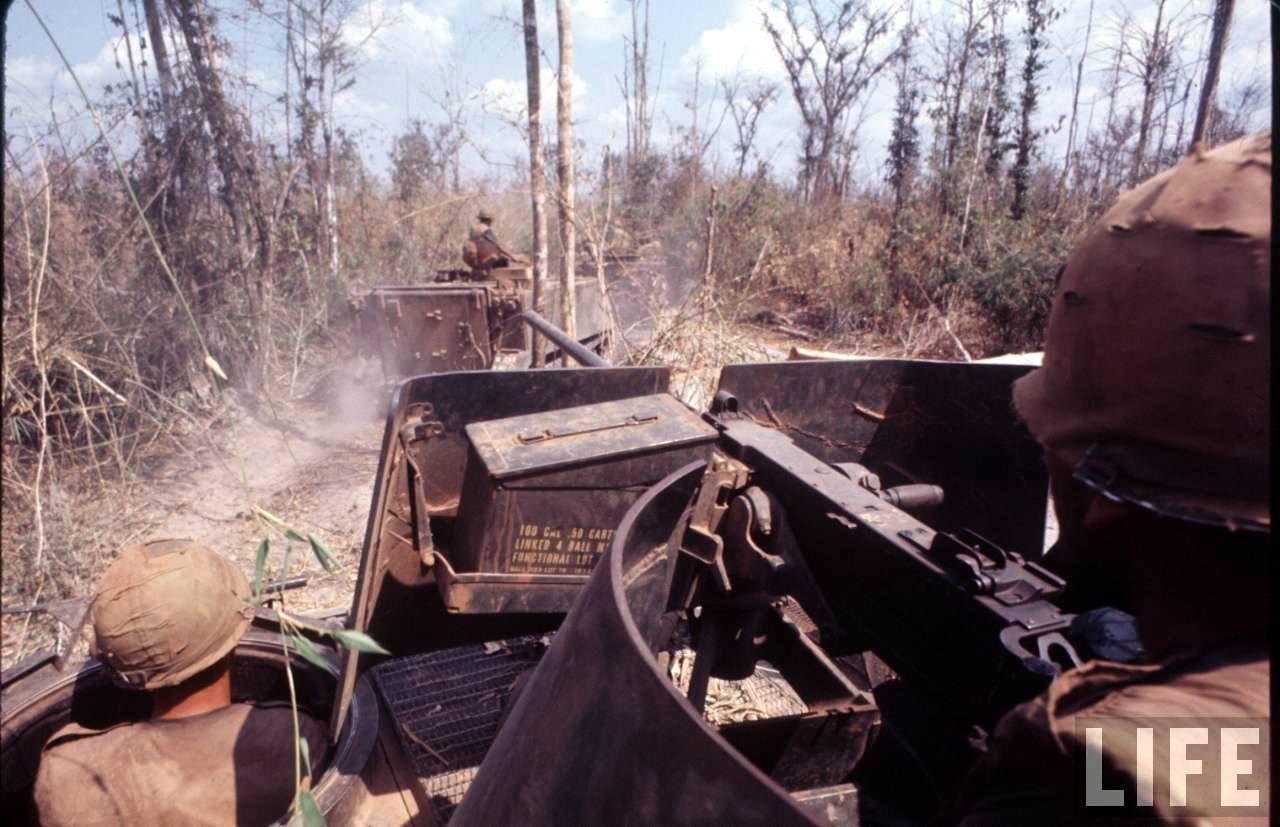 guerre du vietnam - Page 2 0AkVXDVAQNw