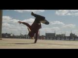 Танцевальная импровизация участников Red Bull BC ONE Cypher Russia