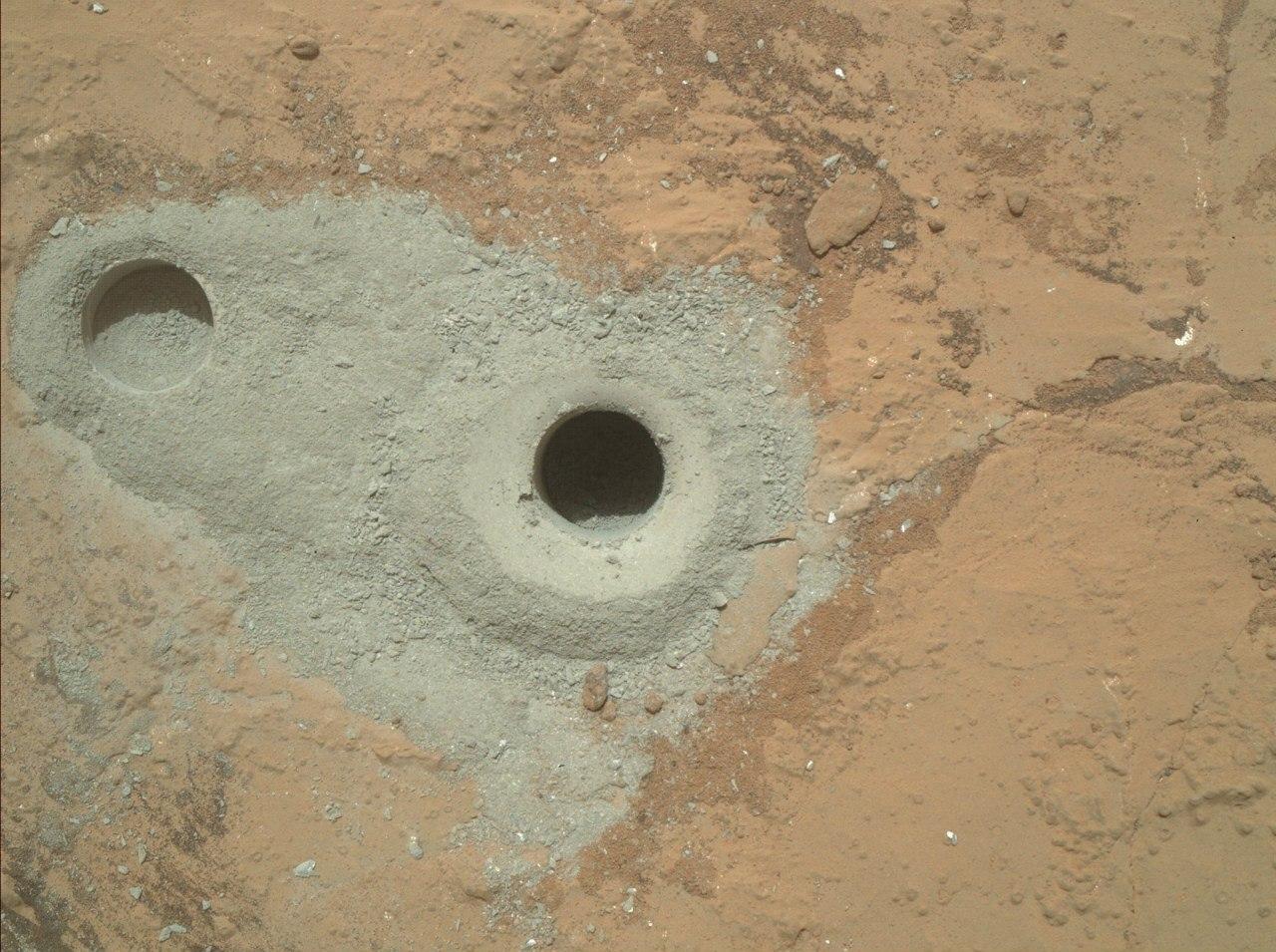Дірка на Марсі від Curiosity
