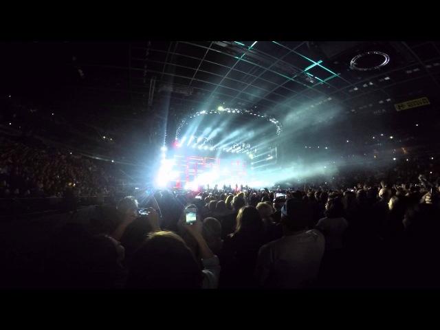 Intro @ Robbie Williams (Ледовый Дворец . СПБ . 9.04.15)