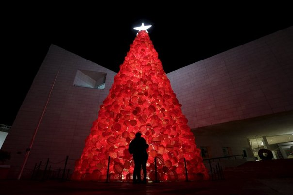 Новогодние и рождественские огни по всему миру