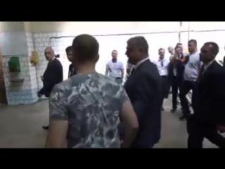 Порошенко грубостью ответил на вопрос журналиста в Николаеве
