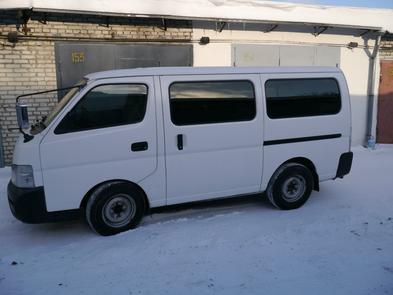 Nissan Caravan 4WD AT белый