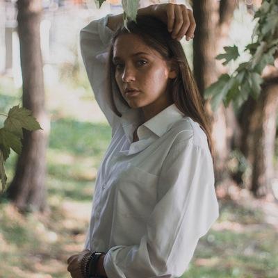 Аня Доронина