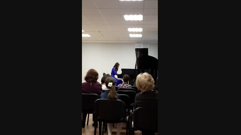 Концерт студентов УУИ  Валеева Эльвира II курс преподаватель Н.М. Кадраева