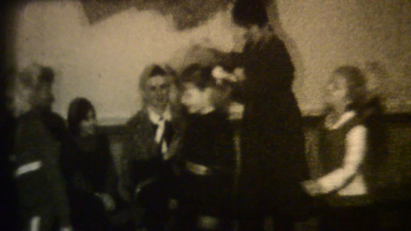 1988 г 2А 4 класс В актовом зале шк №1 соревнование девочек против мальчиков