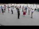С1330004 20.7.18 Танцы в Центральном Парке Новосибирска Отражение