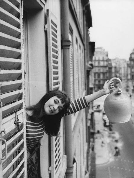 14 декабря в Париже в возрасте 79 лет умерла муза Жан-Люка Годара и икона стиля -французская актриса Анна