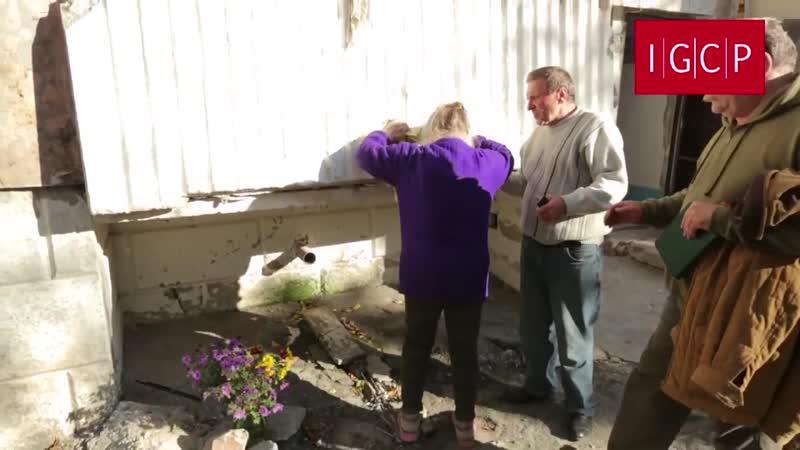 Первомайск.29 сентября,2014.Разрушения в Первомайске.Бабушка потеряла 11 августа двух сыновей сразу.Людские останки в доме.