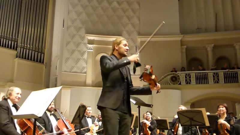 David Garrett speaks to the audience (Moscow, 02.03.2015)