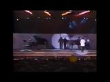 Renato Zero &amp Amedeo Minghi - 1950 (Live a Corviale)