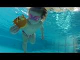 К нам в бассейн заглянуло солнышко через окошко....Видео получилось особенно красивое.... правда?