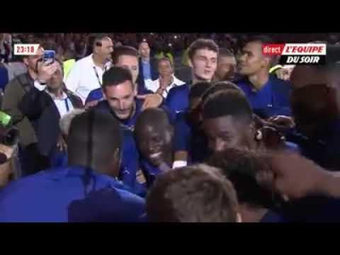 Le stade de France chante la chanson de Ngolo Kanté avec les joueurs ( France vs Pays bas )