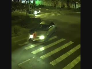 В Анапе на зебре сбили пассажира