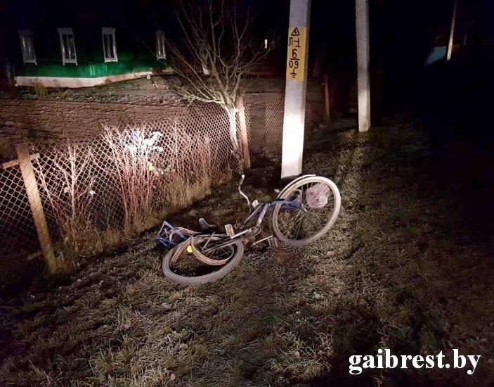 Пьяный водитель насмерть сбил пожилую женщину на велосипеде и скрылся
