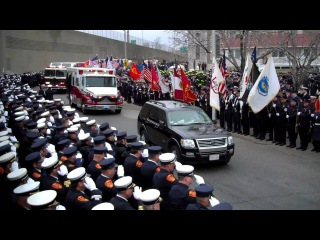 Как хоронят пожарных в США - Funeral Procession For Worcester Firefighter Jon Davies | Dec 15, 2011