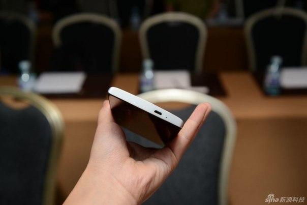 Estar Takee 1   первый смартфон с голографическим интерфейсом
