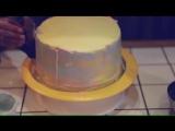 Небольшой видео-ролик о том, как я готовлю двухъярусный торт