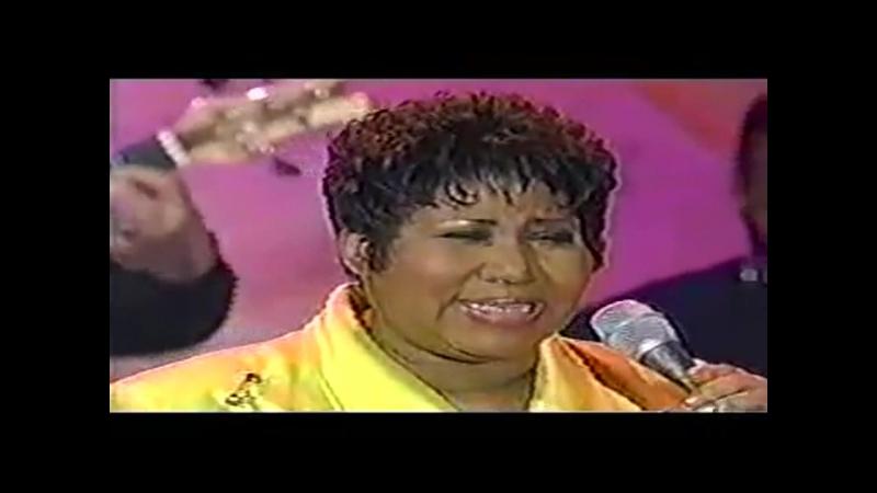 Aretha Franklin - It Hurt Like Hell - Rolanda Show (Жжет как в аду) (60 лет)