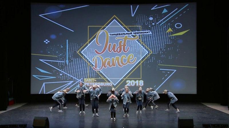 JUST DANCE | Noodles Company