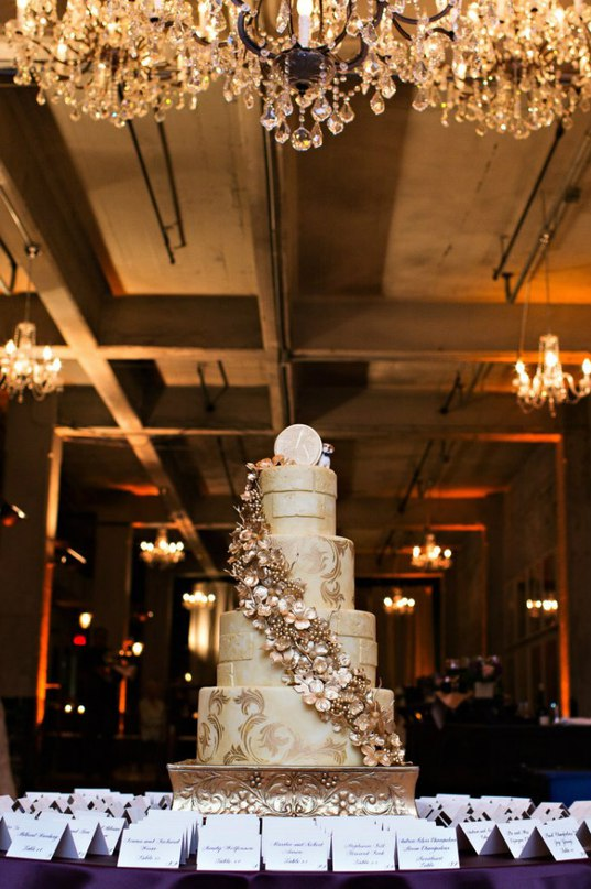 3yEQ8VVTxKg - Золотые и серебряные свадебные торты 2016 (70 фото)