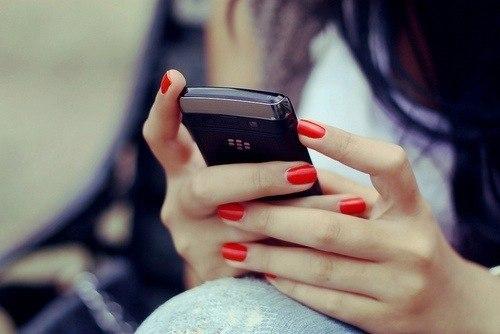 Позвонить другу с незнакомого номера изминив голос