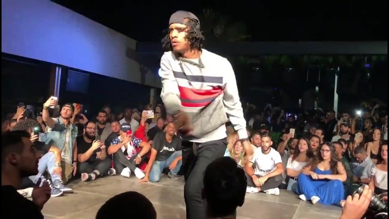 Les TWiNS | Larry killing freestyle in Athens party - Liberty (Clear Audio)
