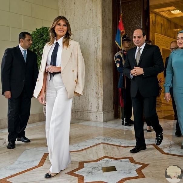 Мелания Трамп повторила образ Майкла Джексона из клипа Smooth Criminal во время визита в Египет