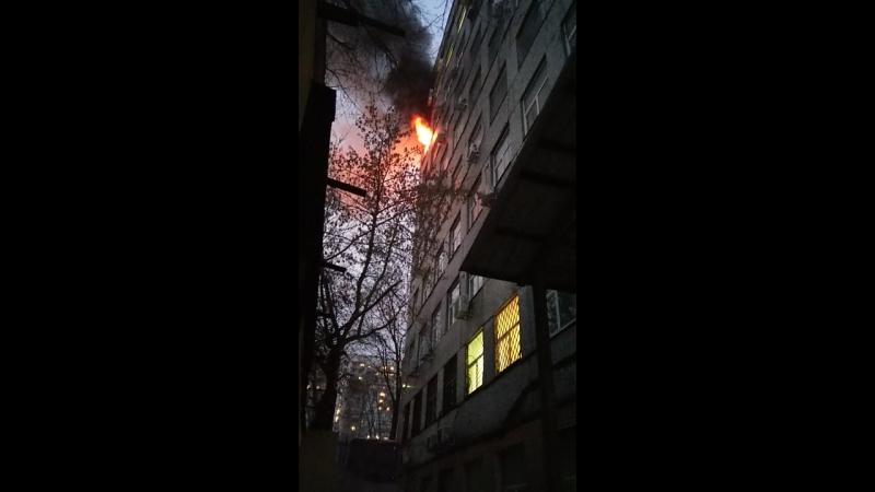 14.01.17 ,3-я Мытищинская 3,сто. 1. горел офис через стенку с моим. все живы,офис соседей сгорел полностью,наш только подкоптило