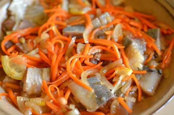 Сельдь «Хе» с морковью и луком