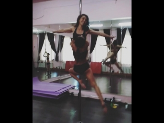 Pole dance tula duo