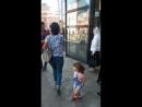 Дед играет, Дашок танцует