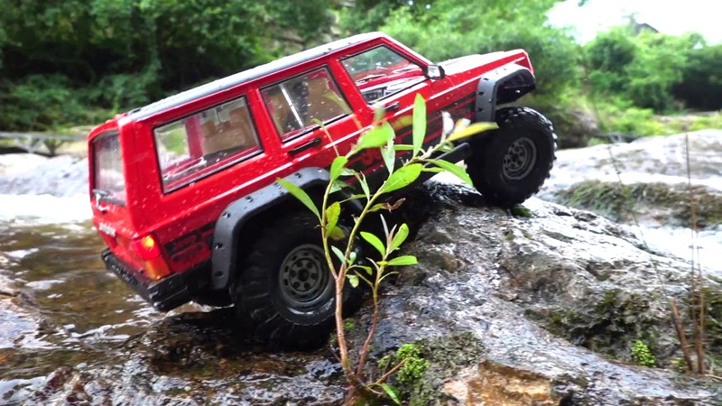 [♬] Vaterra Ascender | Jeep Cherokee XJ | Trail at the waterfall