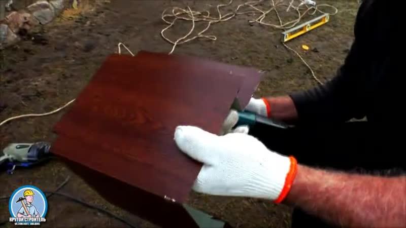 Обшивка дома металлическим сайдингом под дерево