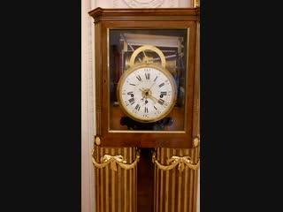 Ещё идут старинные часы